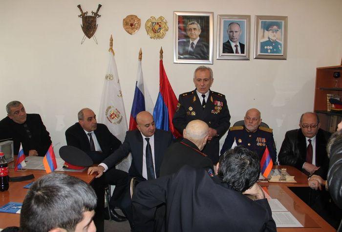 русское групповое отработка долгов по принуждению